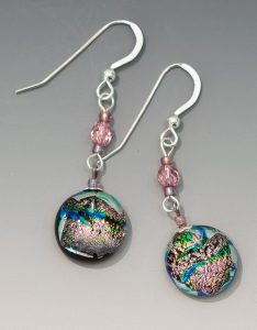 Dangle earrings in Hawi Rose